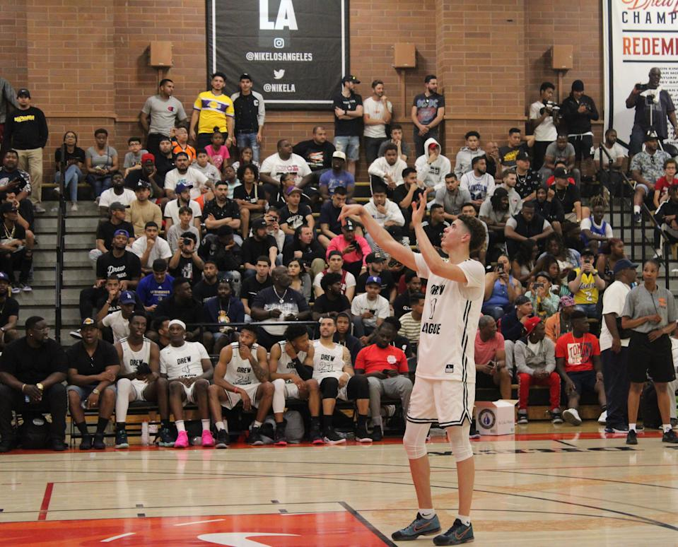 LaMelo Ball scored 25 points for Team No Shnacks. (Josh Schafer/Yahoo Sports)