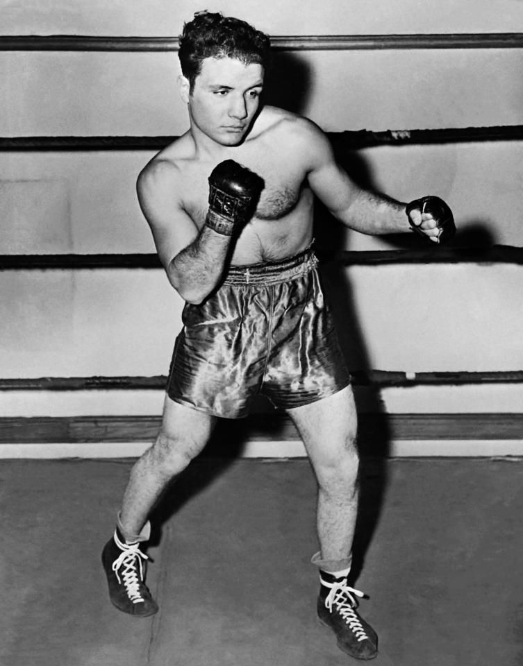 <p><span>Jake Lamotta (1921-2017): Boxing world champion and member of the International Boxing Hall of Fame, who was portrayed by Robert de Niro in </span><i><span>Raging Bull.</span></i> </p>