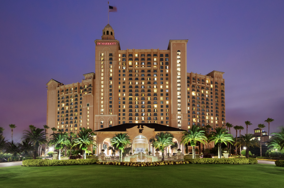 "<p><a href=""https://www.marriott.com/hotels/travel/mcojw-jw-marriott-orlando-grande-lakes/"" rel=""nofollow noopener"" target=""_blank"" data-ylk=""slk:This lush golf resort"" class=""link rapid-noclick-resp"">This lush golf resort </a>is the perfect answer for those looking to enjoy all Orlando has to offer without staying on theme park property. This resort boasts seven dining options, spacious rooms, a fabulous spa, and a sprawling outdoor pool complex. You're close enough to all of the attractions while still feeling a world away. Who needs Universal Studios when you have the JW?</p>"