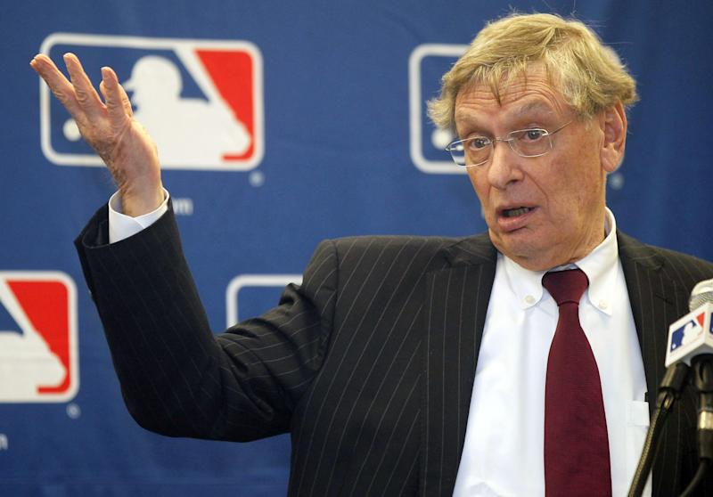 Major League Baseball Commissioner Bud Selig talks to reporters after a meeting with owners, Thursday, Nov. 15, 2012, in Chicago. (AP Photo/Charles Rex Arbogast)