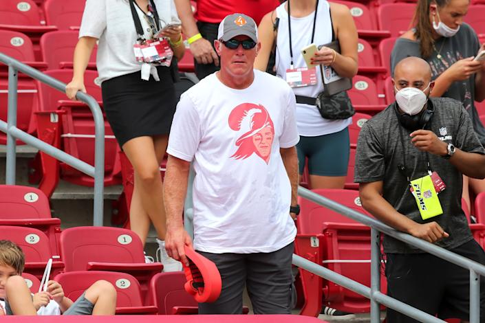 Pro Football Hall of Famer Brett Favre attended the Buccaneers game as a member of the NFL Films crew. (Photo by Cliff Welch/Icon Sportswire via Getty Images)