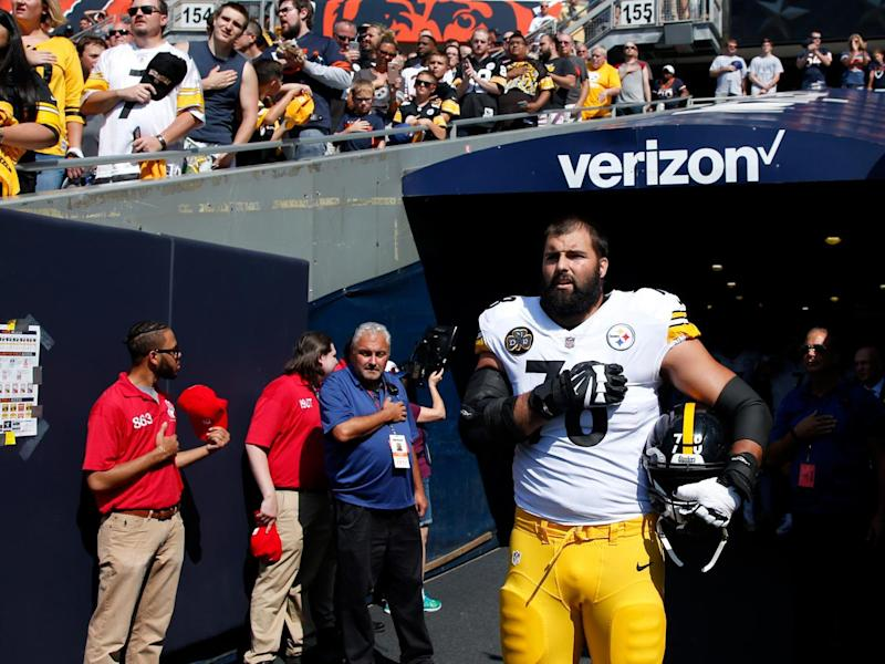 Alejandro Villanueva stood alone for the national anthem (Getty)