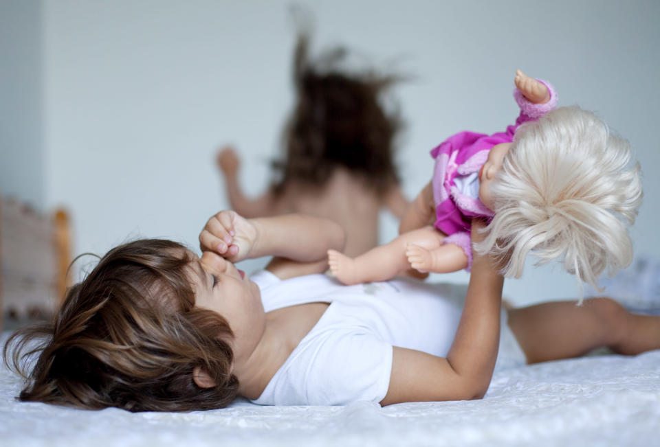 Does gender-neutral parenting negatively impact children? [Photo: Getty]