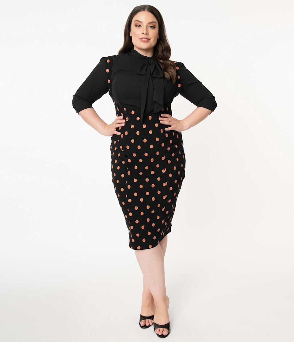 <p>What's there not to love about this <span>Unique Vintage Plus Size Black and Orange Pumpkin Patch Fontaine Suspender Pencil Skirt</span> ($78)?</p>