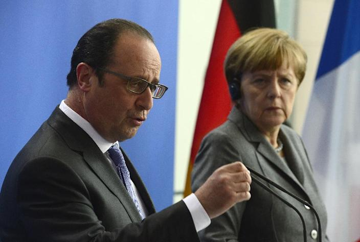 German Chancellor Angela Merkel and French President Francois Hollande want serious proposals from Greece (AFP Photo/John Macdougall)