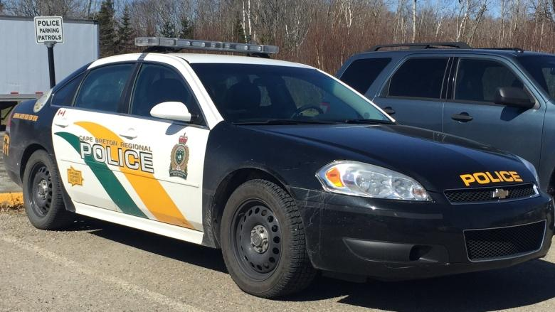 Cape Breton man dies in crash on Highway 327
