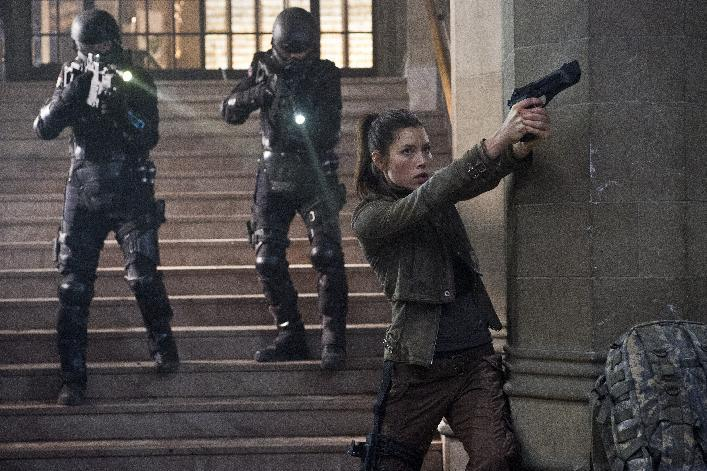 """This film image released by Columbia Pictures shows Jessica Biel in a scene from the action thriller """"Total Recall."""" (AP Photo/Columbia Pictures - Sony, Michael Gibson)"""