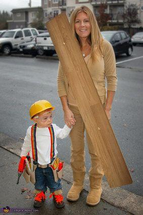 "Vía <a href=""http://www.costume-works.com/costumes_for_families/construction-worker-n-wood.htm"" target=""_blank"">Costume-Works.com</a>"