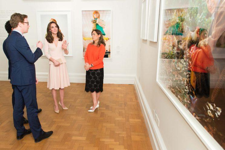 Shulman at the National Portrait Gallery with the Duchess of Cambridge in 2016