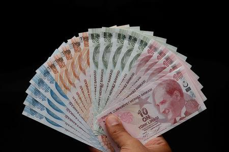 FILE PHOTO: Turkish lira banknotes are seen in this picture illustration in Istanbul
