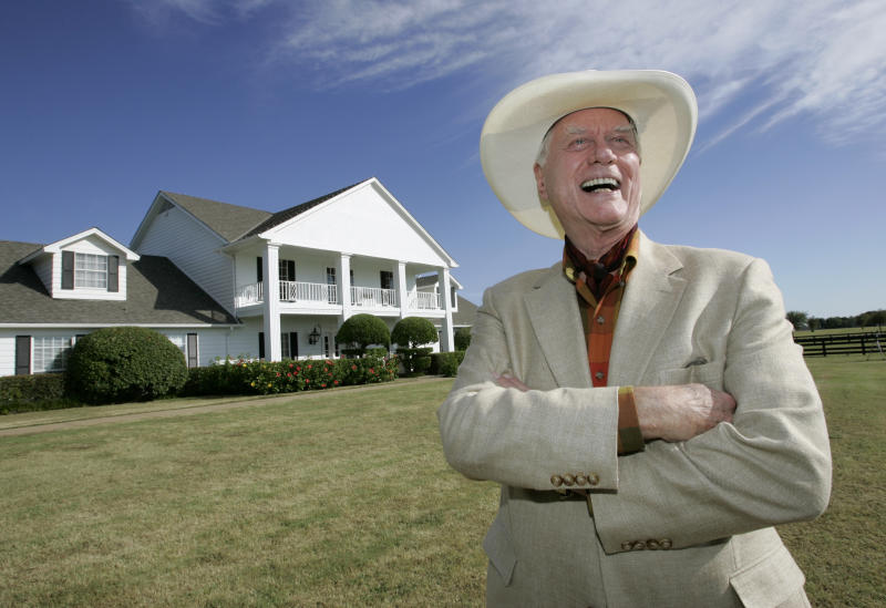 Southfork Ranch draws 'Dallas' fans old and new