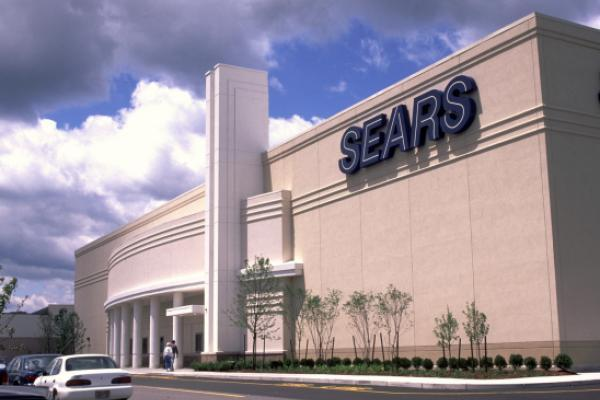 Sears chairman submits new $5-billion bid to save retailer from liquidation