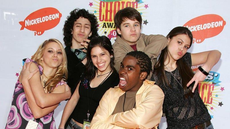 Cast members of Ned's Declassified School Survival Guide, in classic 2006 fashion and poses.