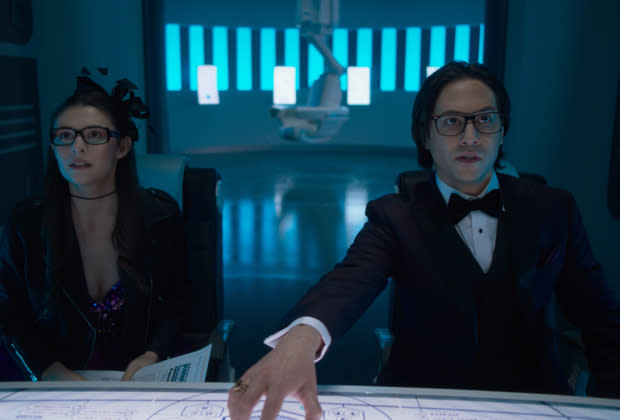 Nicole Maines and Jesse Rath in Supergirl Season 6