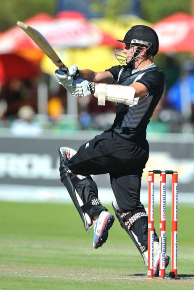 Kane Williamson of New Zealand pulls a delivery to the boundary during the 2nd One Day International match between South Africa and New Zealand at De Beers Diamond Oval on January 22, 2013 in Kimberley, South Africa.(Photo by Duif du Toit/Gallo Images/Getty Images)