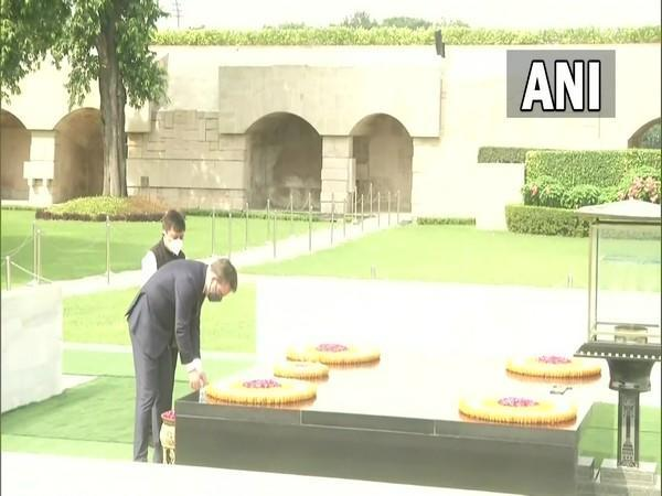 Minister of Foreign Affairs of Serbia, Nikola Selakovic pays tribute to Mahatma Gandhi at Rajghat on Monday
