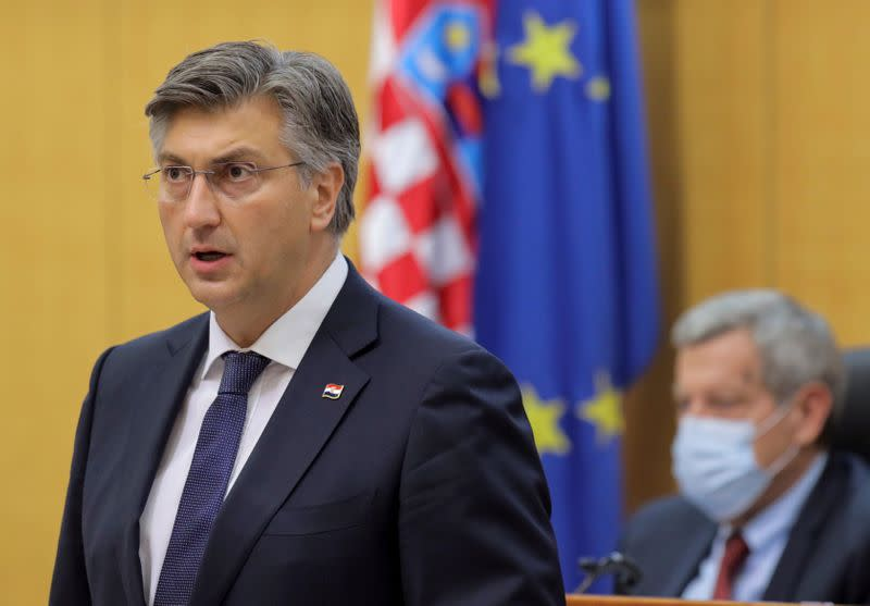 Croatia, joined by minority Serb leader, marks 25 years since independence war victory
