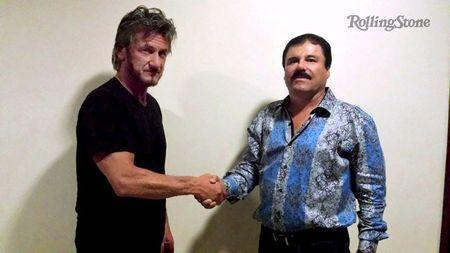 """Actor Sean Penn (L) shakes hands with Mexican drug lord Joaquin """"Chapo"""" Guzman in Mexico, in this undated Rolling Stone handout photo obtained by Reuters on January 10, 2016.  REUTERS/Rolling Stone/Handout via Reuters"""