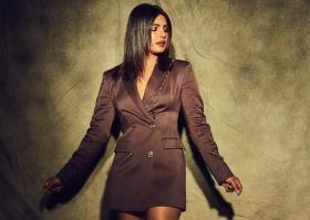 Priyanka Chopra's Versace blazer dress costs a mammoth Rs 3.24 Lakh!