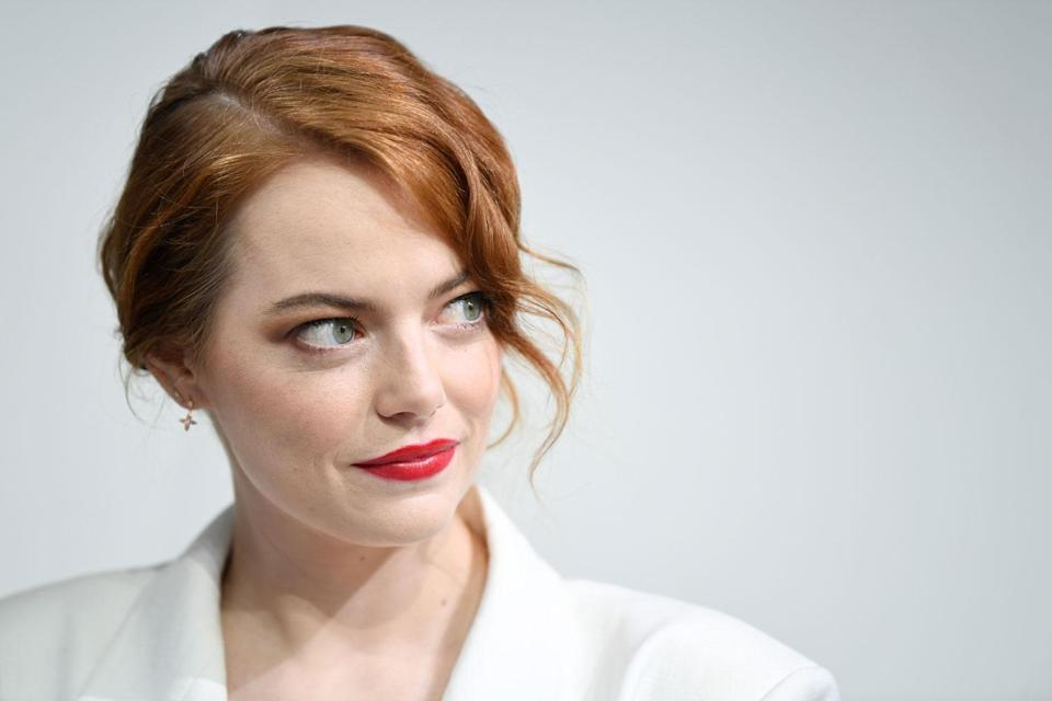 Emma Stone discusses the importance of friendship, among other topics, in the newest issue of <em>Elle</em>. (Photo: Getty Images)