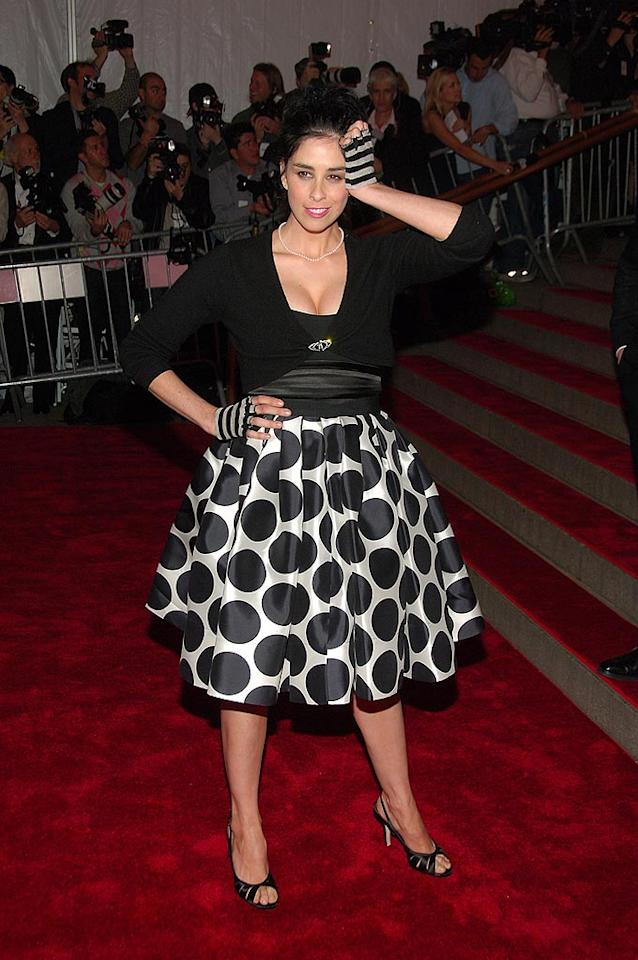 "Sarah Silverman will never be a style icon, but at least she dressed up for the occasion. Her outfit would've wowed had she ditched the fingerless gloves. Michael Loccisano/<a href=""http://www.filmmagic.com/"" target=""new"">FilmMagic.com</a> - May 5, 2008"