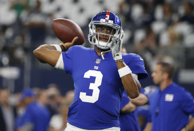 Giants quarterback Geno Smith will replace Eli Manning under center. (AP)