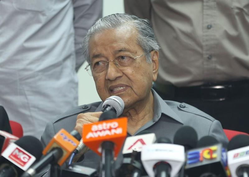 Prime Minister Tun Dr Mahathir Mohamad speaks during a press conference after a Pakatan Harapan meeting in Petaling Jaya September 7, 2018. ― Picture by Razak Ghazali