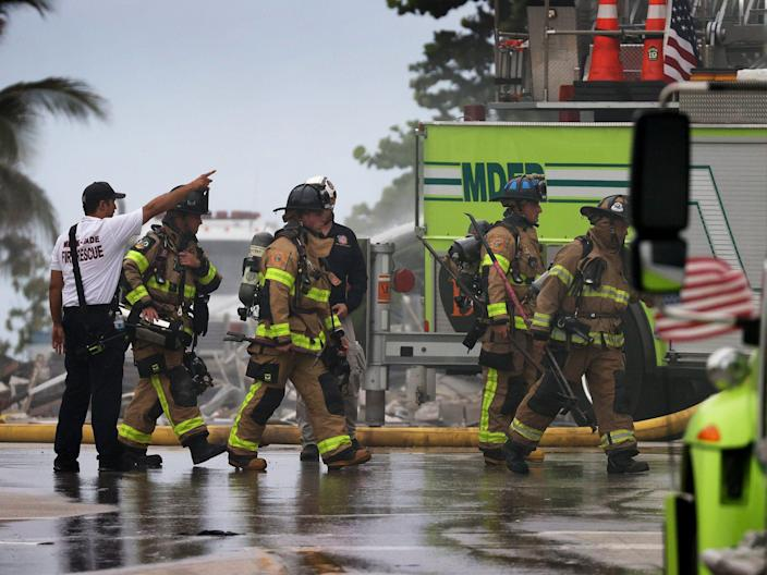 florida building collapse firefighters respond