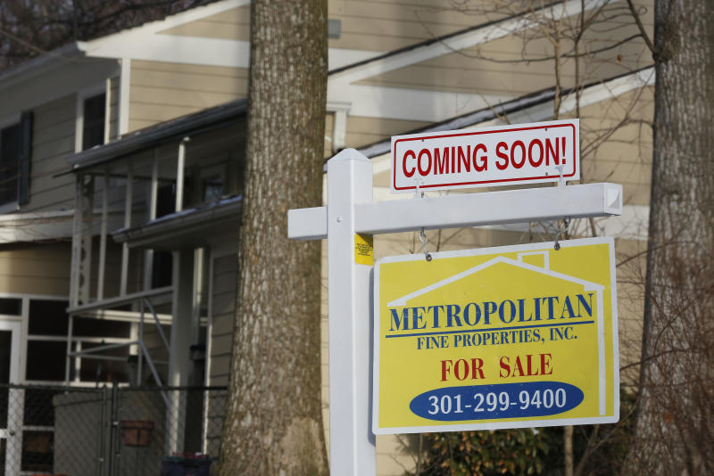 "A home with a ""COMING SOON"" sign hangs in front of a house in Oakton, on the day the National Association of Realtors issues its Pending Home Sales for February report, in Virginia March 27, 2014. The National Association of Realtors said its pending home sales index, based on contracts signed last month, fell 0.8 percent to its lowest level since October 2011. REUTERS/Larry Downing (UNITED STATES - Tags: BUSINESS REAL ESTATE)"