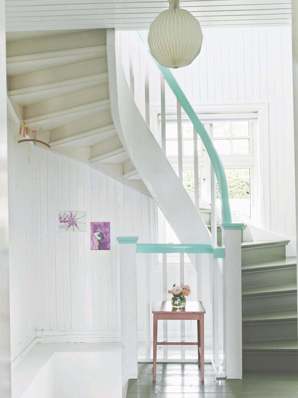 staircase ideas: painted stair banister idea