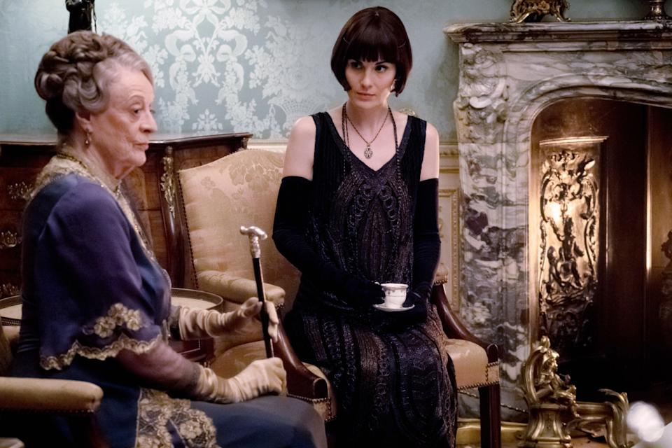 Maggie Smith and Michelle Dockery share a tender moment in a scene that could be Smith's farewell to 'Downton Abbey' (Photo: Jaap Buitendijk / © Focus Features / courtesy Everett Collection)