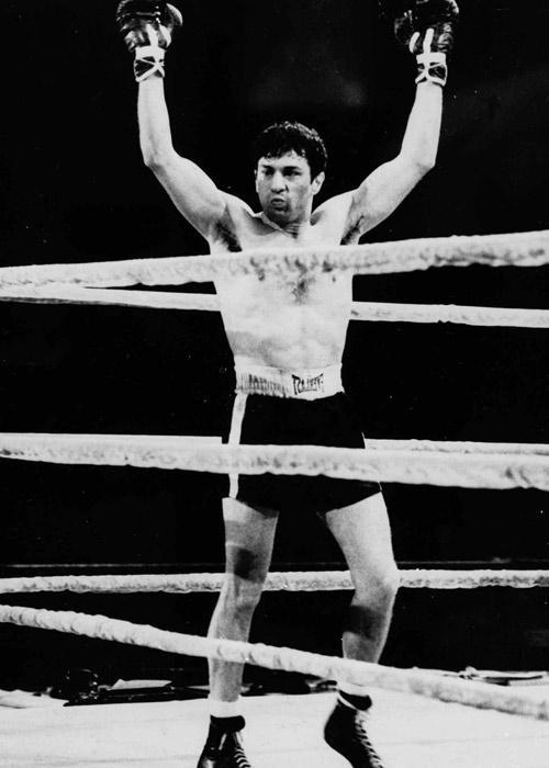 To immortalise the role of boxer Jake LaMotta in 'Raging Bull', Robert DeNiro   had to shed weight initially and later add on pounds for which he went for a binge trip to Italy. All his efforts proved worthy when he won the Best Actor Oscar for this role.