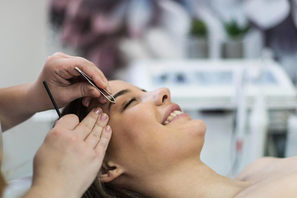 "<p>20 percent is standard for different eyebrow services, including threading, waxing, plucking, and microblading, but there are instances where you might want to tip a little extra. That includes ""if someone took care of you before or after hours, worked through their lunch, or came in on a day off,"" said celebrity brow stylist <a href=""https://www.instagram.com/joeyhealybrows/"" class=""link rapid-noclick-resp"" rel=""nofollow noopener"" target=""_blank"" data-ylk=""slk:Joey Healy"">Joey Healy</a>.</p>"