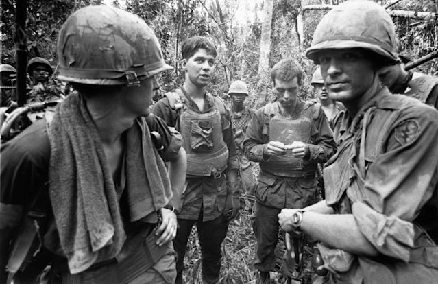 <p>US marines in the jungle on November 4, 1968 during the Vietnamese War. (Photo: Terry Fincher/Daily Express/Hulton Archive/Getty Images) </p>