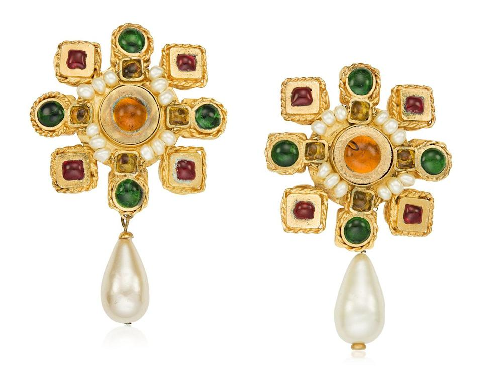 <p>These beautiful gripoix glass and faux pearl earrings feel as timeless as ever with an estimated price $800 to $1,200.</p>