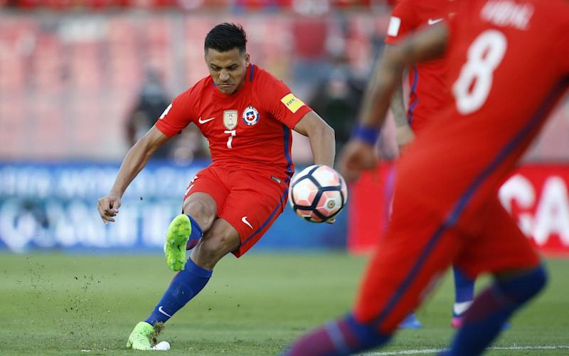 Alexis Sanchez scores against Venezuela during their FIFA Russia 2018 World Cup qualifying game - EFE