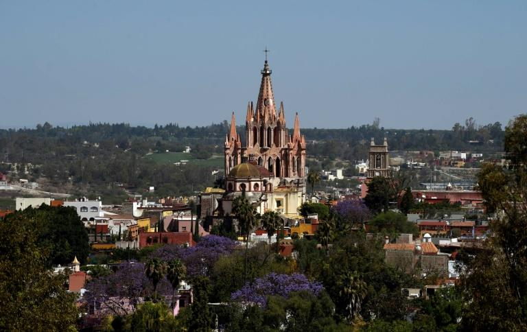 With its warm weather and colonial charm, Mexico's 16th-century city of San Miguel de Allende has been enticing Americans of a certain age to move south of the border for decades