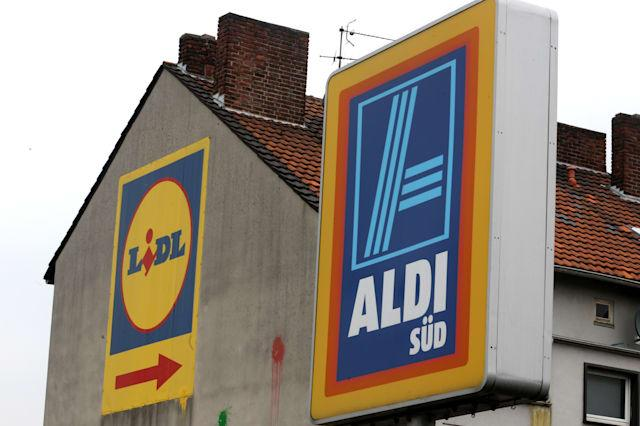 Aldi and Lidl next to each other