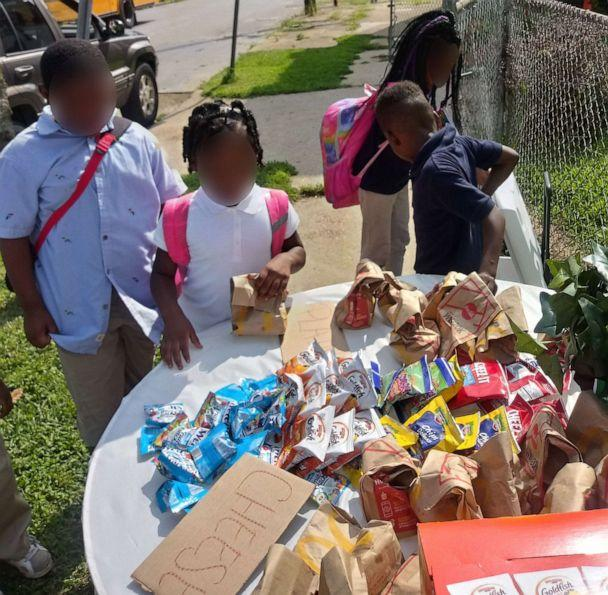 PHOTO: Kids stop by Champale Anderson's home after school to pick up food. (Courtesy Champale Anderson)