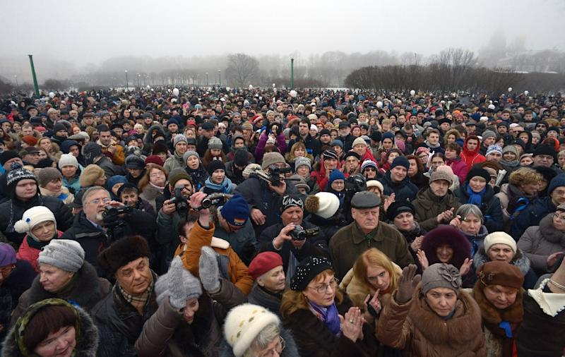 People rally in Saint Petersburg on January 28, 2017 to protest the decision by authorities to hand over the city's famous St Isaac's cathedral to the Orthodox church (AFP Photo/Olga MALTSEVA)