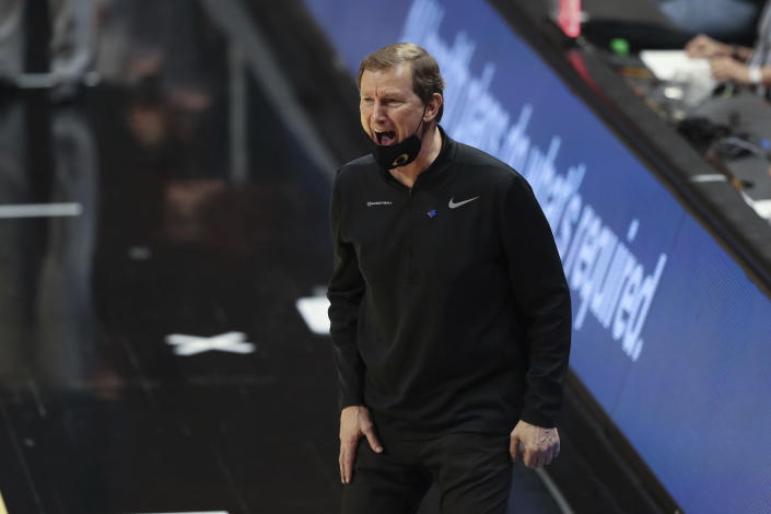 Oregon head coach Dana Altman calls to players during the second half of an NCAA college basketball game against Oregon State in Corvallis, Ore., Sunday, March 7, 2021. (AP Photo/Amanda Loman)