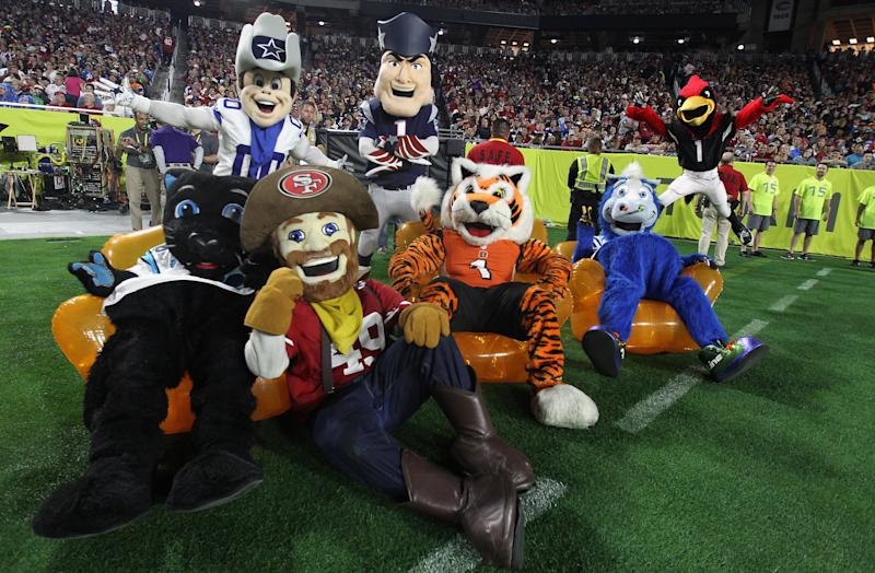 GLENDALE, AZ - JANUARY 25: NFL mascots gather on the field during the 2015 Pro Bowl at University of Phoenix Stadium on January 25, 2015 in Glendale, Arizona. (Photo by Christian Petersen/Getty Images)