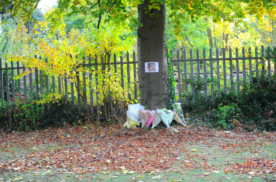 Tributes to Jacqueline Parsons after she died at a cemetery in Hull. (Reach)