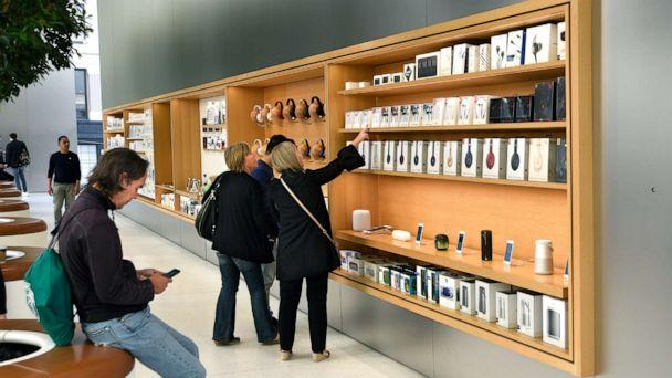 PHOTO: In this Sept. 12, 2018 file photo, customers shop for accessories at the Apple Store in San Francisco. (Robert Alexander/Getty Images, FILE)