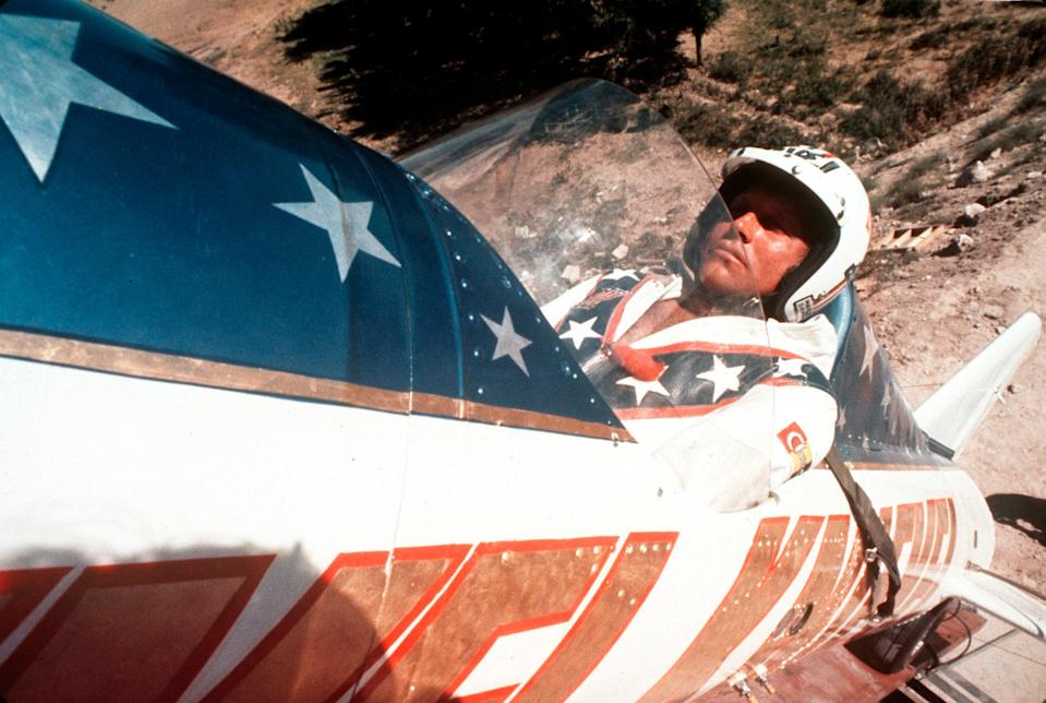 Evel Knievel's son sues Disney over 'Toy Story 4' daredevil character (AP1974)