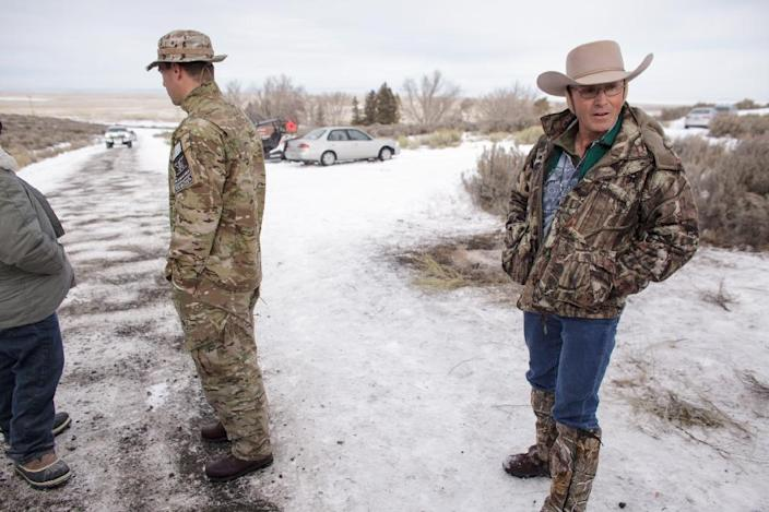 Members of a group of armed anti-government protesters are seen at the Malheur National Wildlife Refuge near Burns, Oregon on January 4, 2016 (AFP Photo/Rob Kerr)