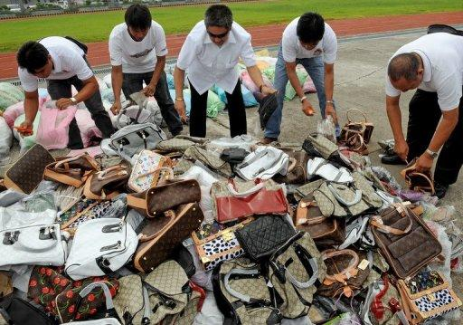Figures released by Singco's agency showed that in 2011, the top seized items were handbags, wallets and backpacks