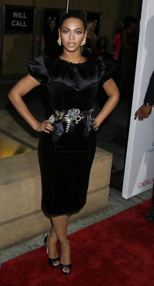 "Beyonce at the Los Angeles premiere of <a href=""http://movies.yahoo.com/movie/1810003875/info"">Cadillac Records</a> - 11/24/2008"