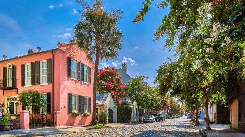 A quaint and picturesque street in Charleston, South Carolina