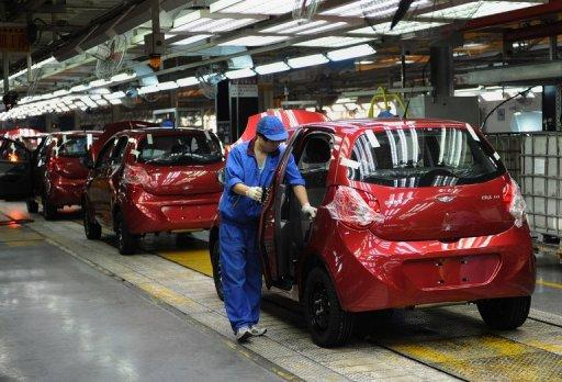 Some 23,000 cheap Chinese-made cars have been recalled in Australia after asbestos was found in their engines